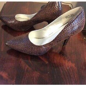 DOLLHOUSE Brown Faux Snakeskin Pumps SHOES heel 10